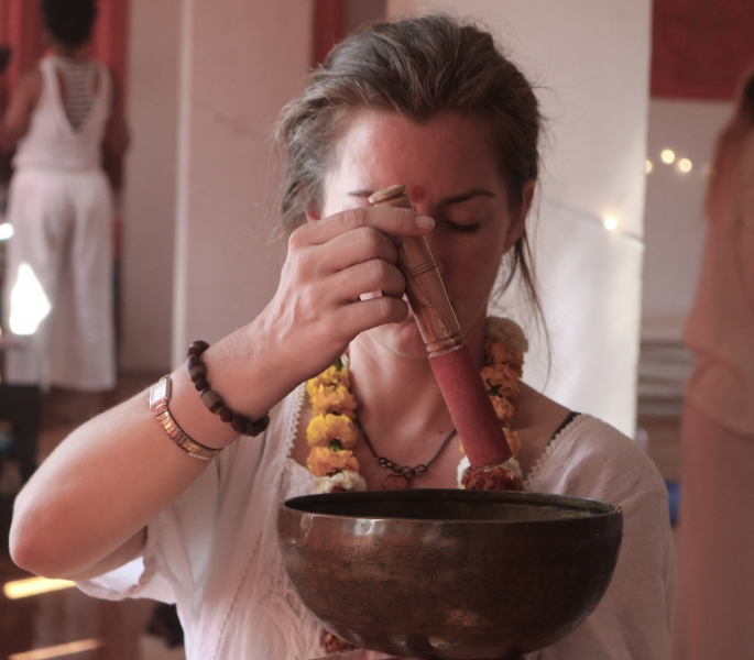 Sound Healing Students Teaching India98