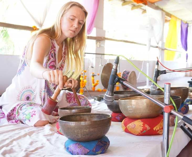 students Learn how to give group sound healing concert with Tibetan Singing Bowls