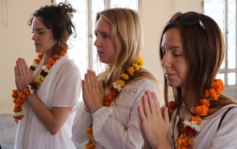 puja ceromony sound healing training
