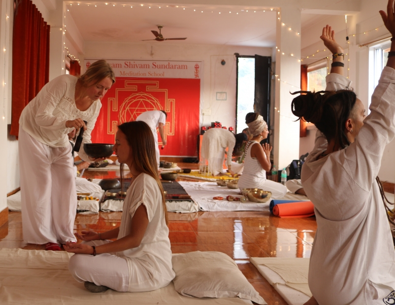 sevenchakra_sound_bath_healing_meditation_session