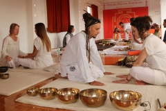 students_teaching_tibetan_soundhealing